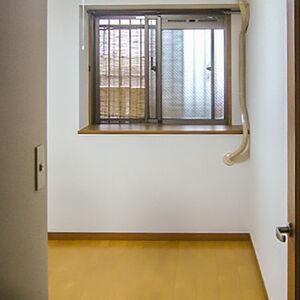 フローリングの色にこだわった内装リフォームで子供部屋が完成