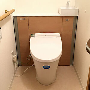 キャビネットつきのリフォレでトイレをまるごとリフォーム!