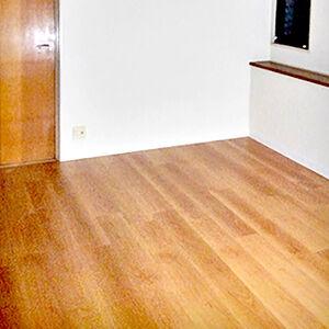 壁の汚れが消えて明るく清潔感がある空間へ