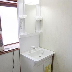 省スペースでお掃除簡単な洗面台に交換しました