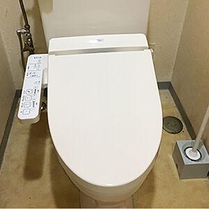 トイレの便座を換えるだけで汚れにくく、ニオイも防ぎます