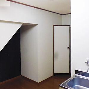 クロスを張替えて明るく清潔感のあるお部屋に