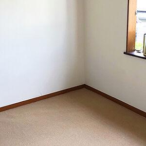 クロスとカーペットを一新して過ごしやすく落ち着いたお部屋に