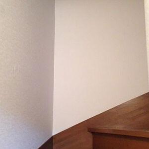玄関・廊下と階段家の動線をキレイにクロスリフォーム