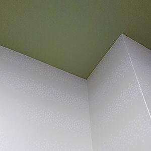 日本の伝統「伊勢型紙」を使用したクロスで和を感じるお部屋に