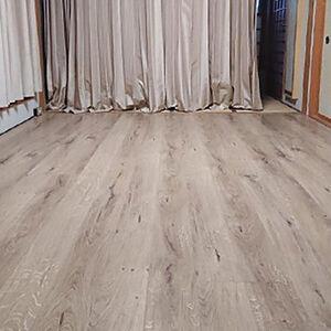 畳からフローリングに張替え、お部屋の雰囲気が変わりました